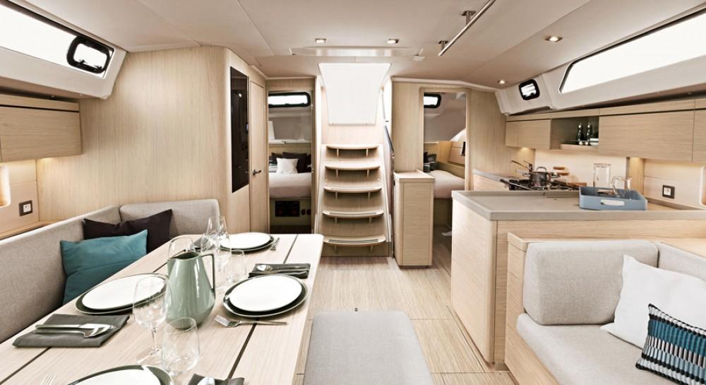 Boat rental Greece cheap Oceanis 461