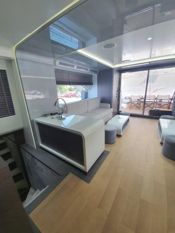 Rental yacht Gouvia - Azimut Azimut 85F on SamBoat