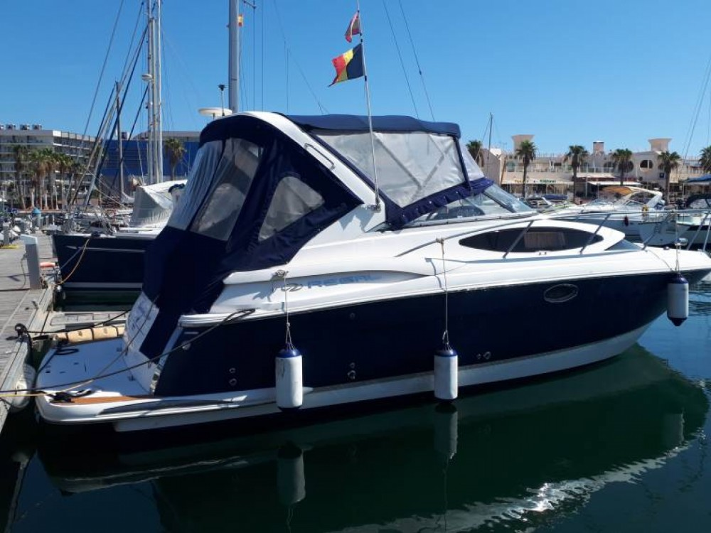 Boat rental Régal commodore 3060 in Agde on Samboat