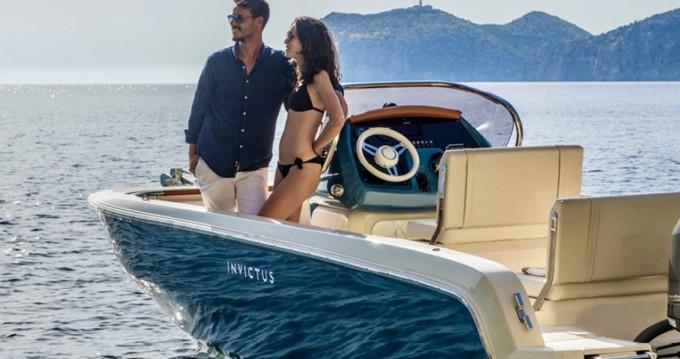 Boat rental Invictus  Invictus 200 FX in Ormos Panagias on Samboat
