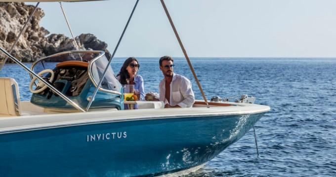 Rental Motorboat in Ormos Panagias - Invictus  Invictus 200 FX