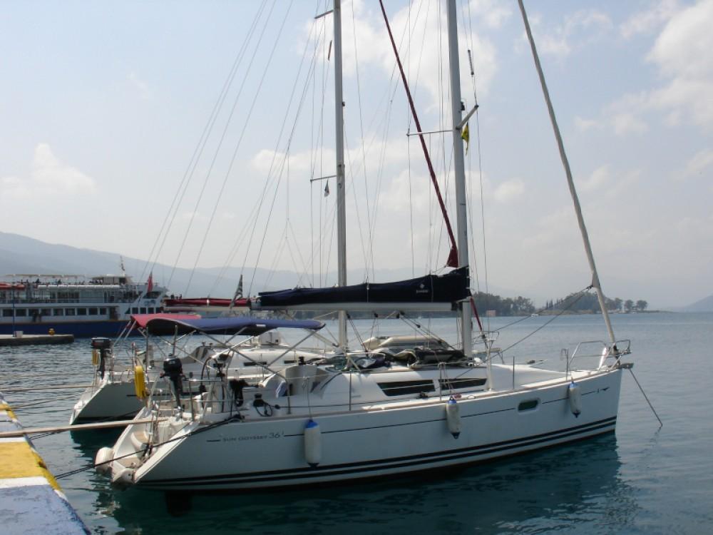 Rental Sailboat in Álimos - Jeanneau Sun Odyssey 36i