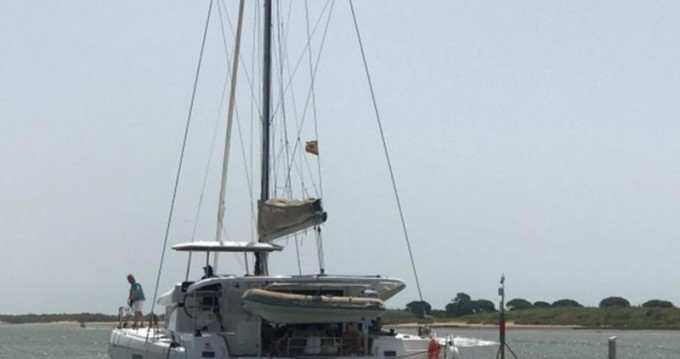 Rental Catamaran in El Rompido - Lagoon Lagoon 42