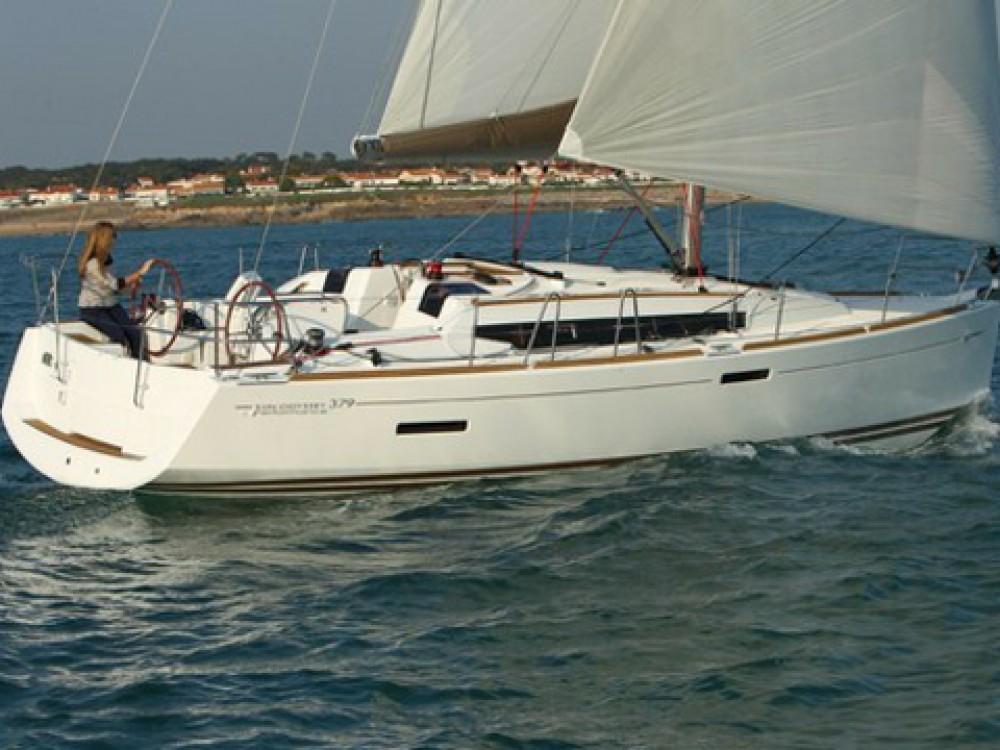 Rent a Jeanneau Sun Odyssey 379 Palma