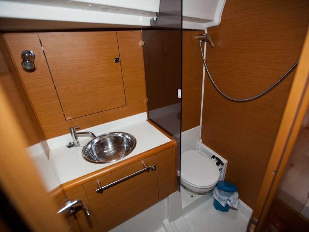 Jeanneau Sun Odyssey 439 between personal and professional Palma