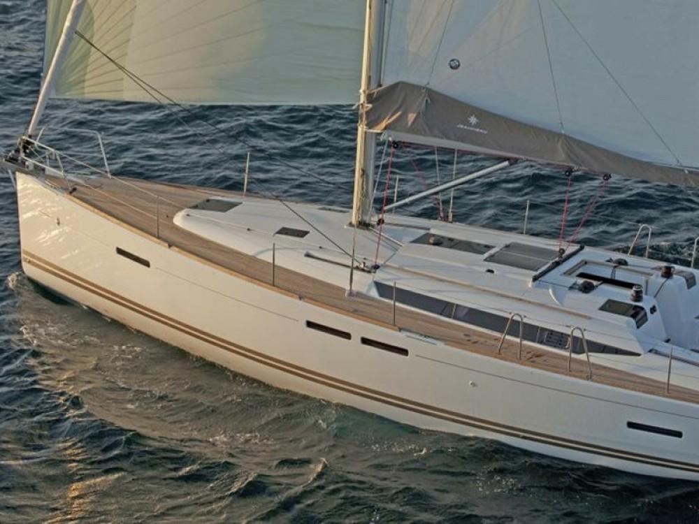 Boat rental Jeanneau Sun Odyssey 439 in Palma on Samboat