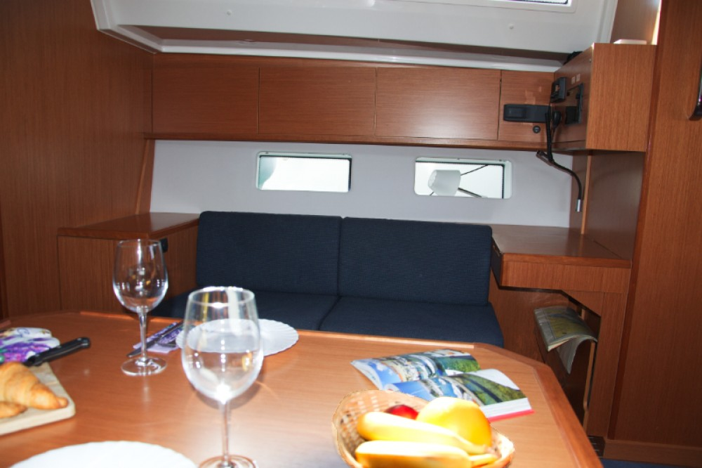Boat rental Bavaria Bavaria C45 Holliday in Pirovac on Samboat