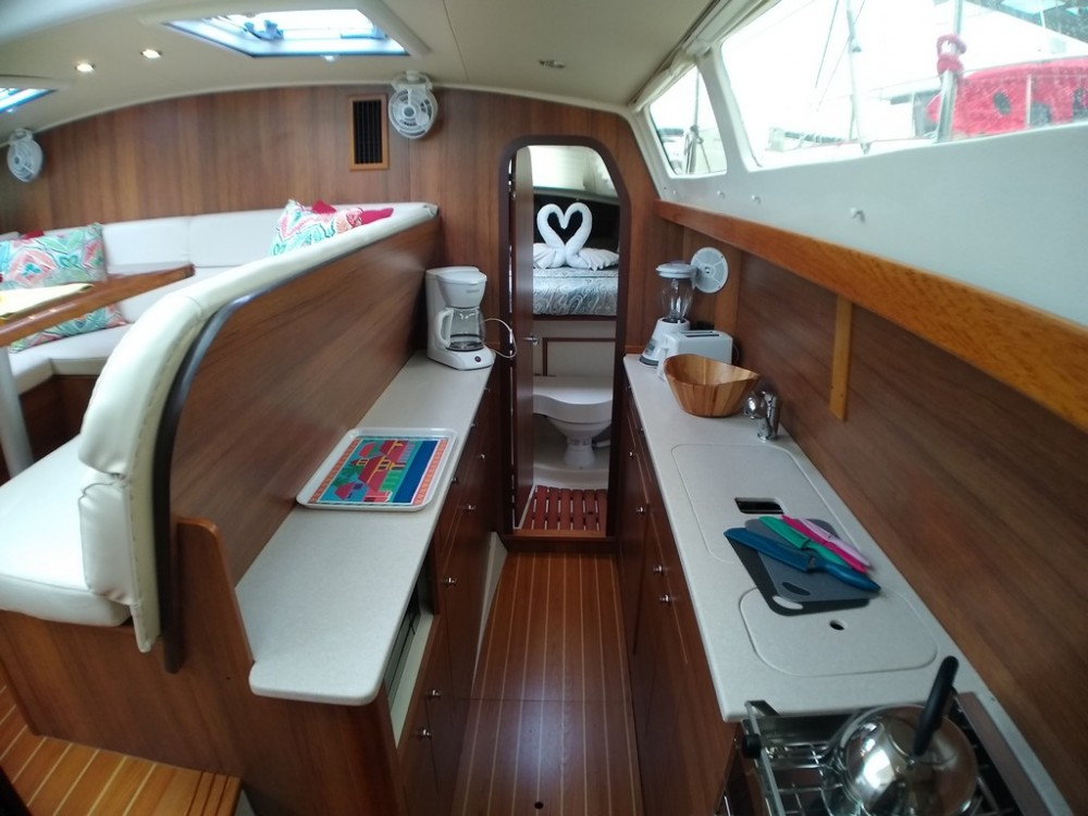 Boat rental Road Town cheap Gemini Legacy 35