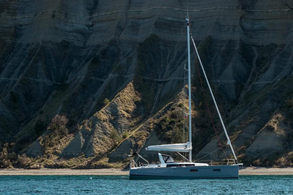 Hire Sailboat with or without skipper Bénéteau Grad Biograd na Moru