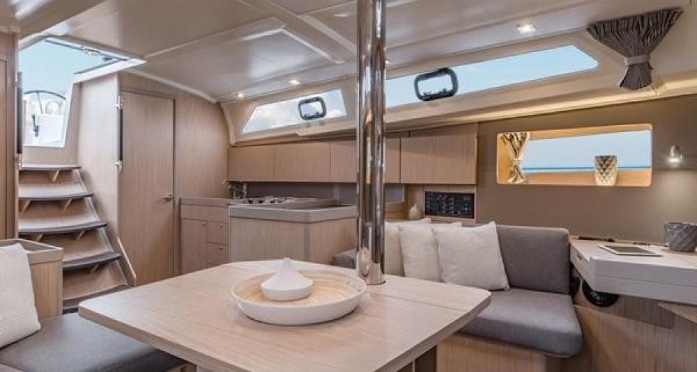 Rental yacht Grad Biograd na Moru - Bénéteau Oceanis 411 on SamBoat