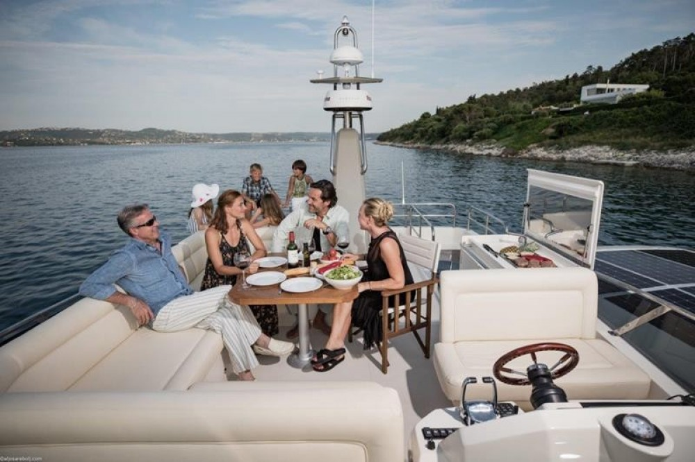 Rental Motorboat in Grad Biograd na Moru - Greenline Hybrid 48 Fly Greeline Hybrid 48 Fly