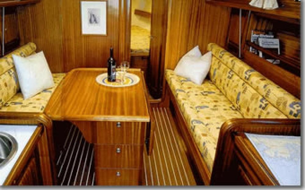 Boat rental  cheap Bavaria 34