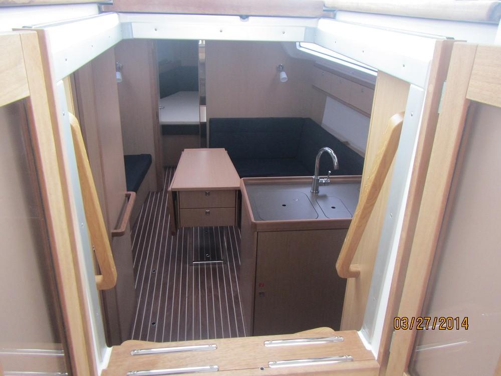 Rental yacht Grad Biograd na Moru - Bavaria Bavaria 37 Cruiser on SamBoat