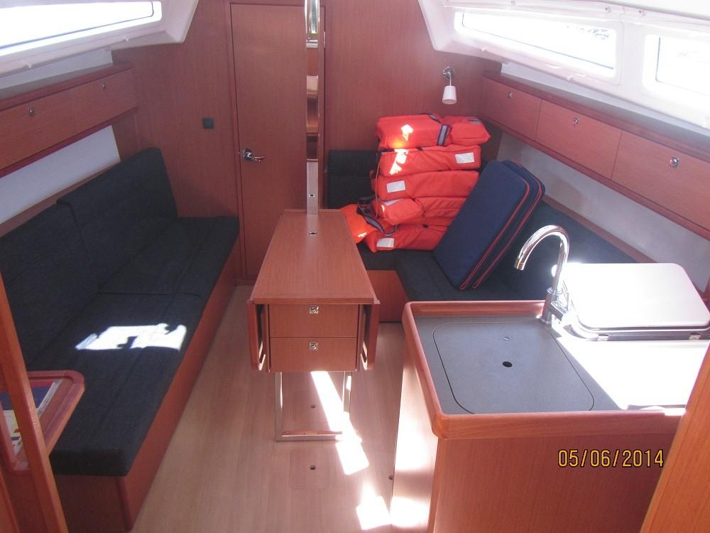 Boat rental Grad Biograd na Moru cheap Bavaria 33 Cruiser
