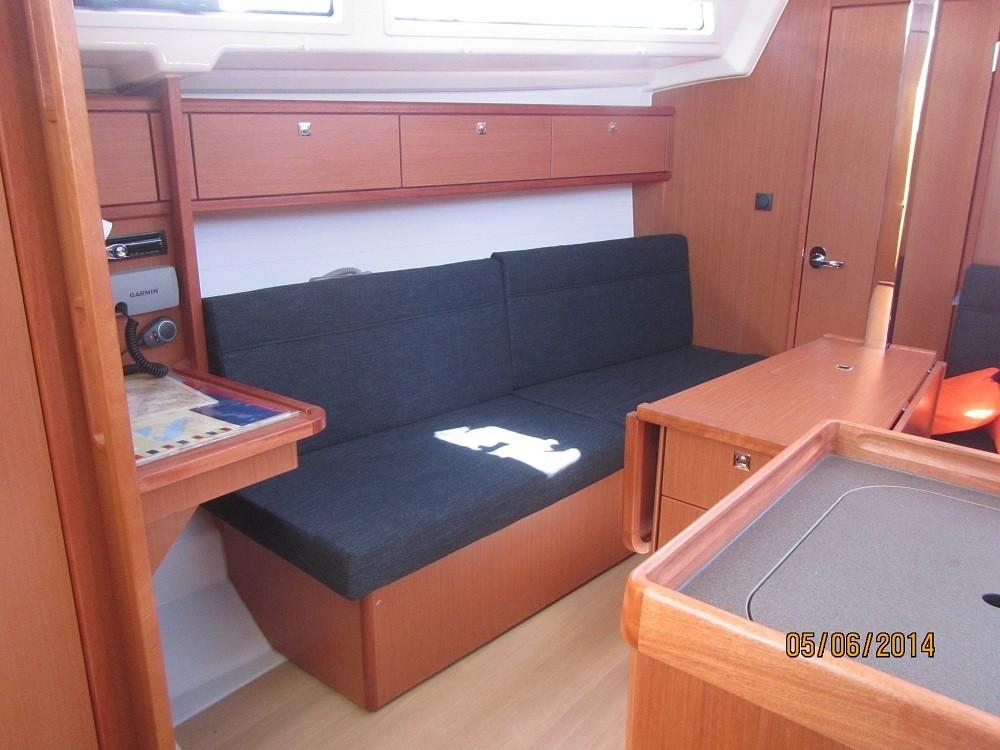 Rental yacht Grad Biograd na Moru - Bavaria Bavaria 33 Cruiser  on SamBoat