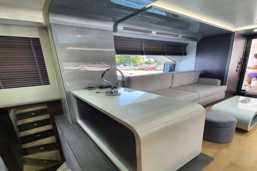 Yacht for rent Gouvia at the best price