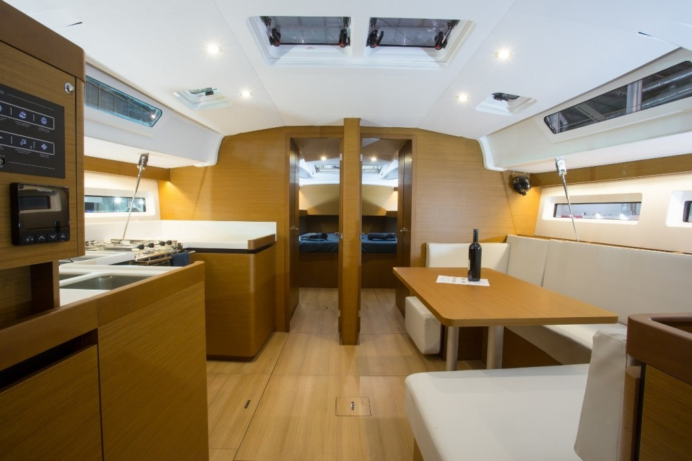 Boat rental Jeanneau Sun Odyssey 490 in Laurium on Samboat