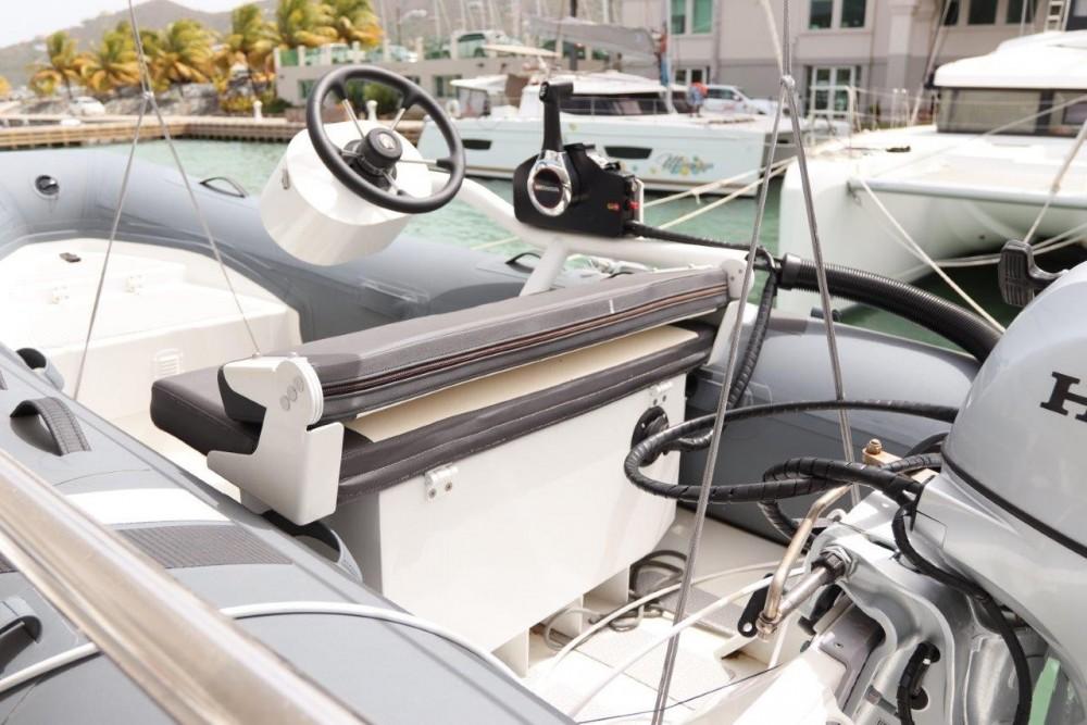 Boat rental Road Town cheap Lagoon 46