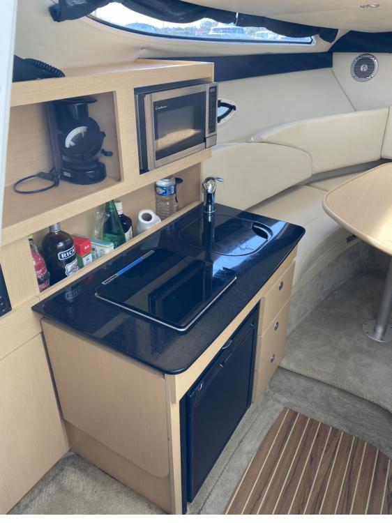 Rental yacht Ouistreham - Bayliner Bayliner 2255 Sunbridge Sport on SamBoat