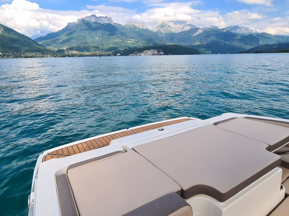 Bayliner VR4 between personal and professional Sevrier