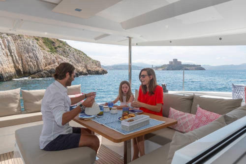 Rental Catamaran in Athens - Fountaine Pajot Astrea 42 O.V.