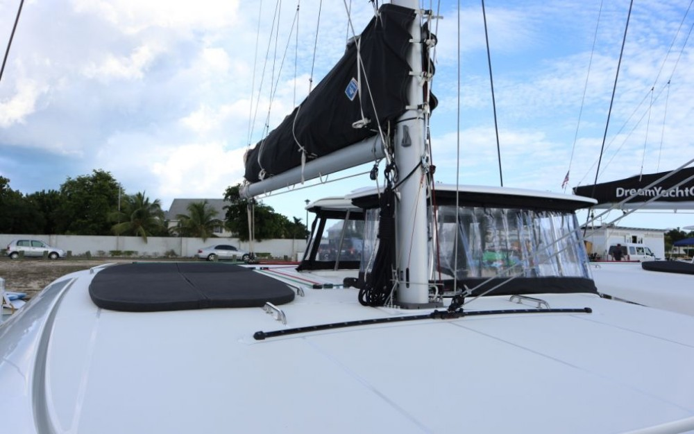 Hire Catamaran with or without skipper Lagoon Catamaran Key West