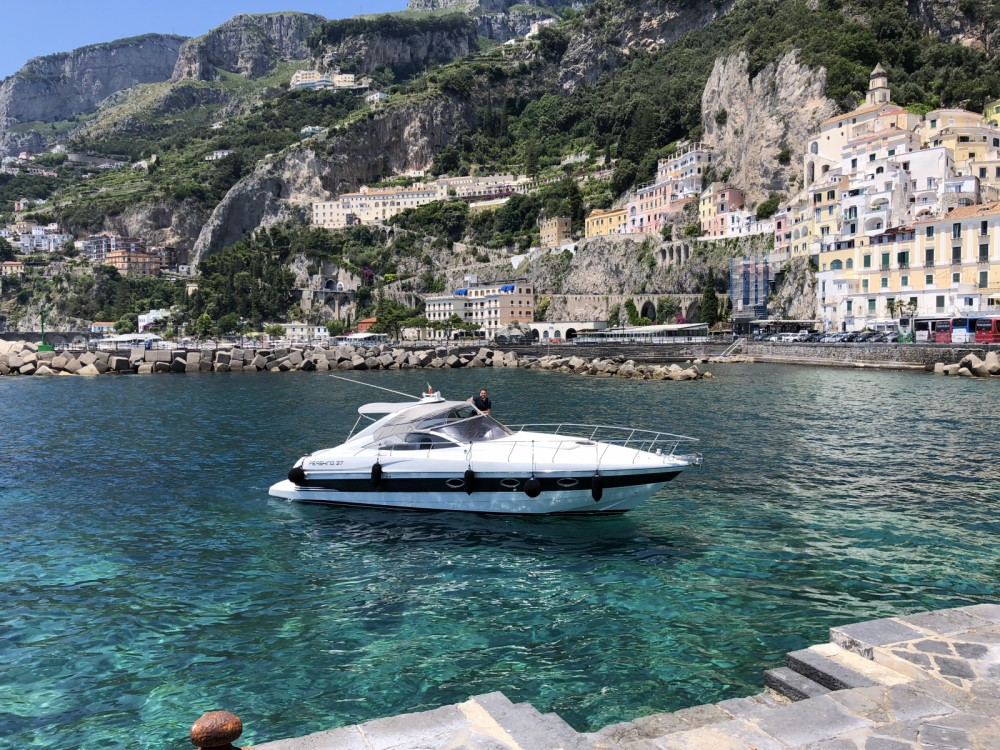 Hire Motorboat with or without skipper Pershing Amalfi