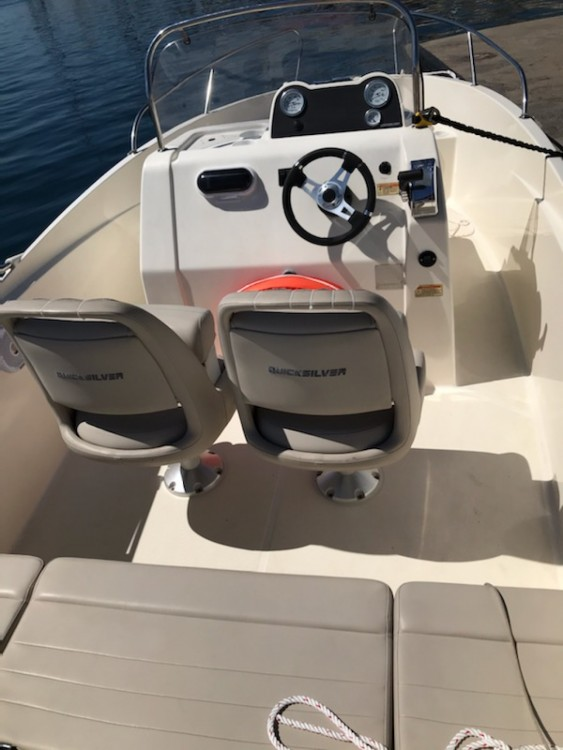 Boat rental Quicksilver Activ 535 Open in Marseille on Samboat