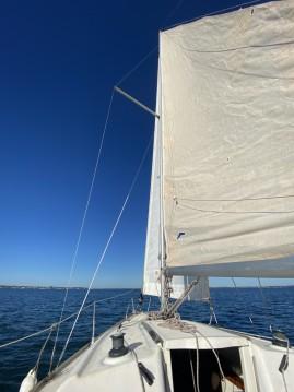 Rental Sailboat in Andernos-les-Bains - Jeanneau Sun 2000