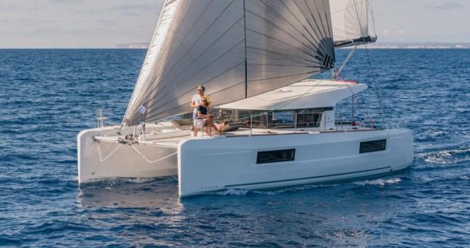 Rental yacht Salamina - Lagoon Lagoon 40 on SamBoat