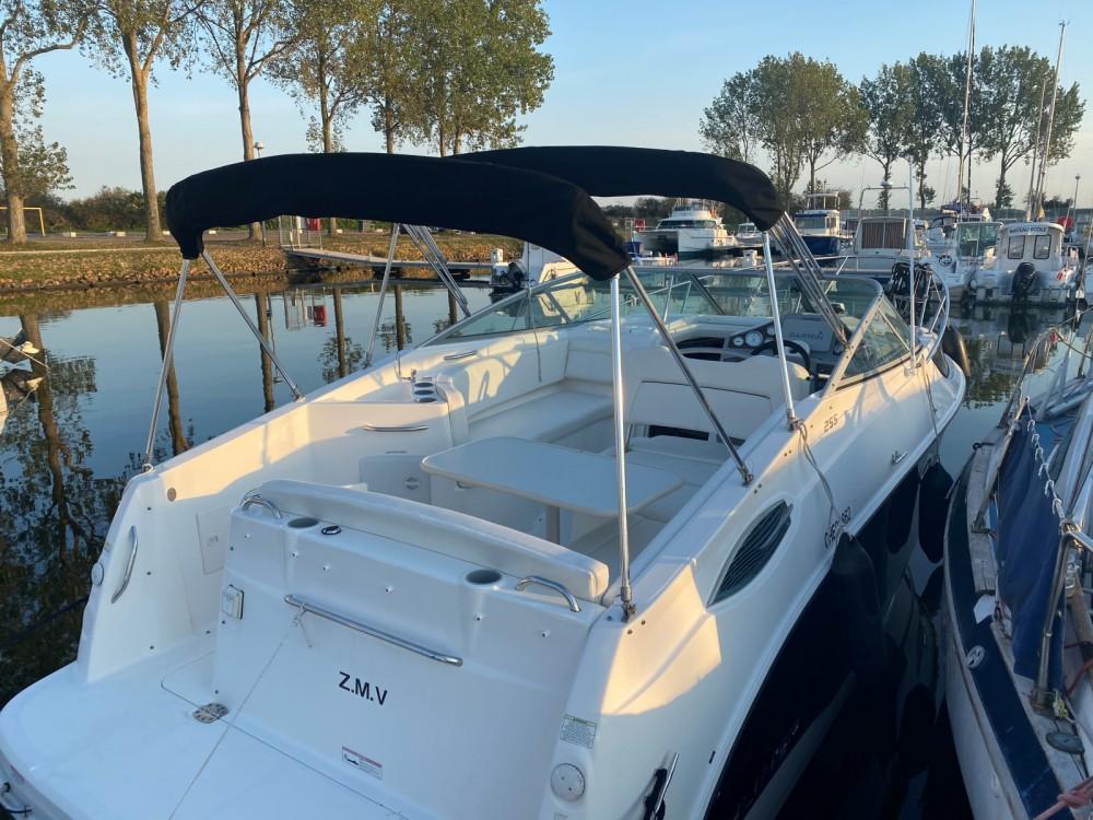 Boat rental Bayliner Bayliner 2255 Sunbridge Sport in Ouistreham on Samboat