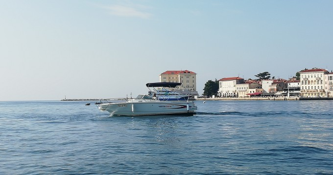 Hire Motorboat with or without skipper Bénéteau Poreč