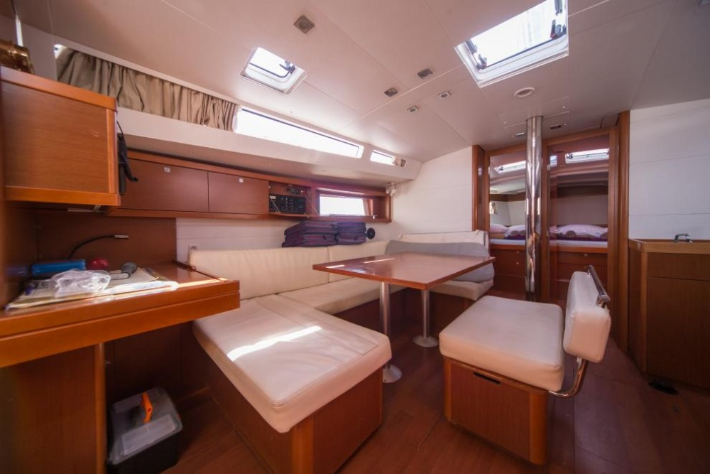 Bénéteau Oceanis 48 between personal and professional