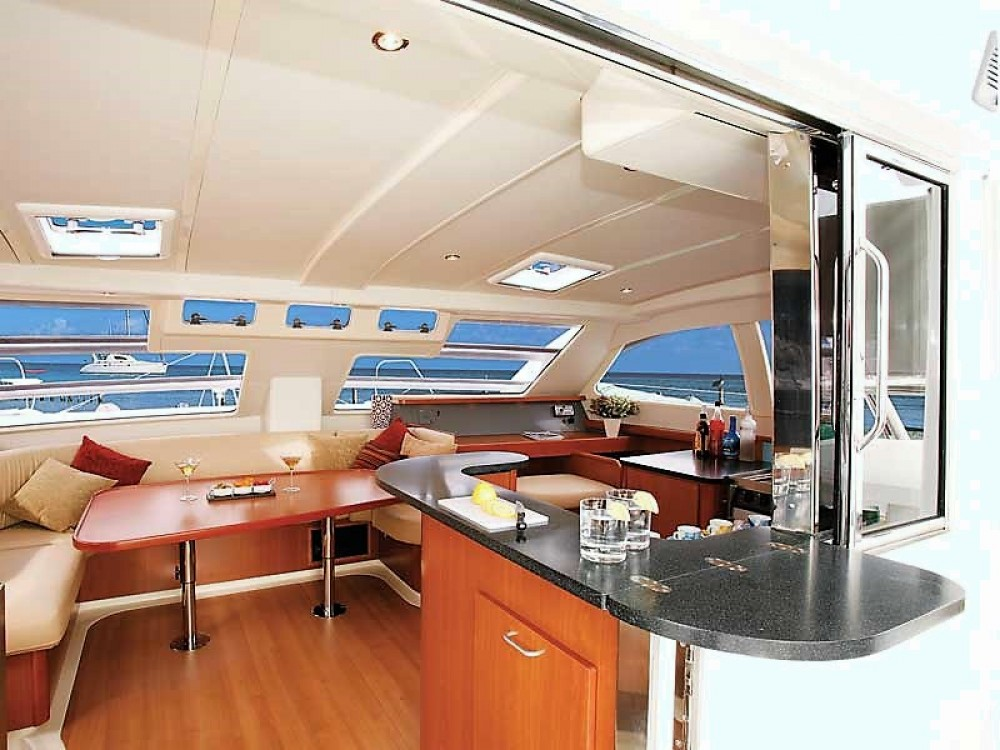Rental yacht Airlie Beach - Rorbertson-Caine Leopard 46 on SamBoat