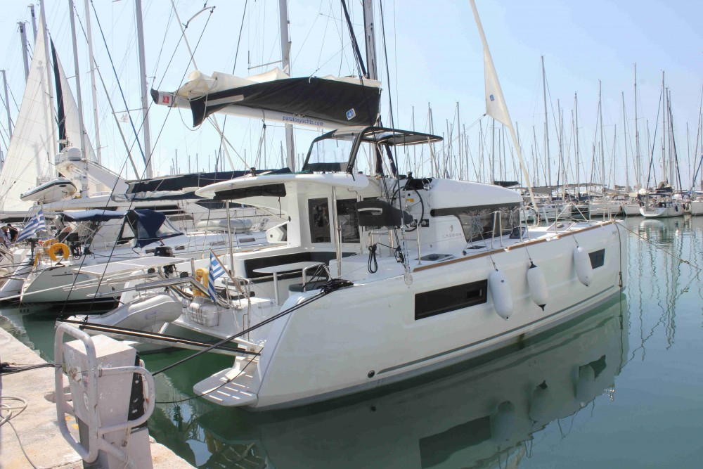 Rental yacht Álimos - Lagoon Lagoon 40 on SamBoat