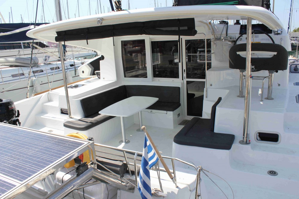 Rental Catamaran in Álimos - Lagoon Lagoon 40