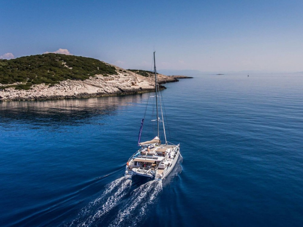 Rental Catamaran in Seget Donji - Fountaine Pajot Saba 50