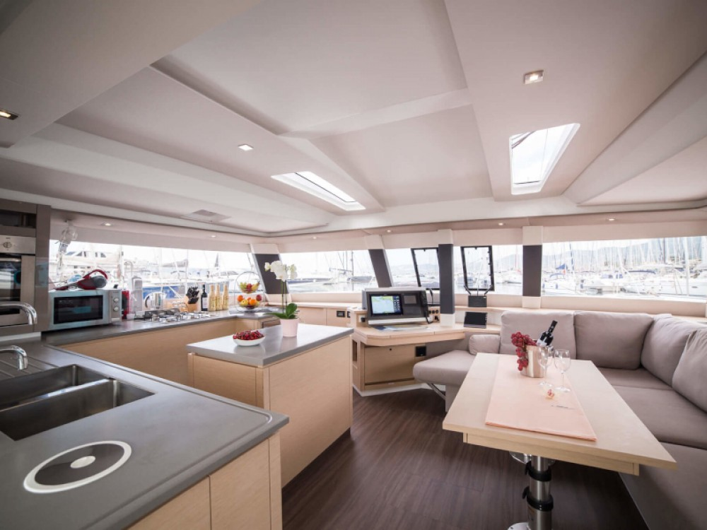 Boat rental Fountaine Pajot Saba 50 in Seget Donji on Samboat