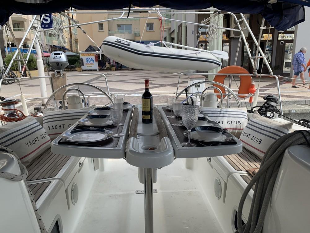 Rental Sailboat in Fréjus - Bénéteau Oceanis 473