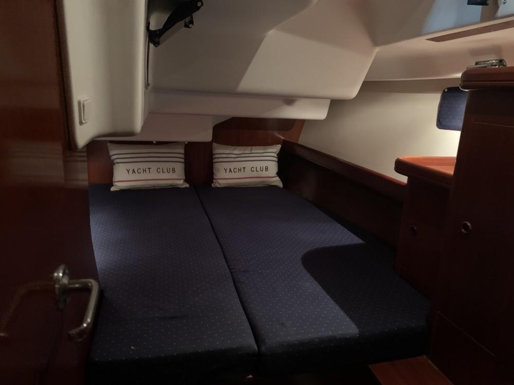Rental yacht Fréjus - Bénéteau Oceanis 473 on SamBoat