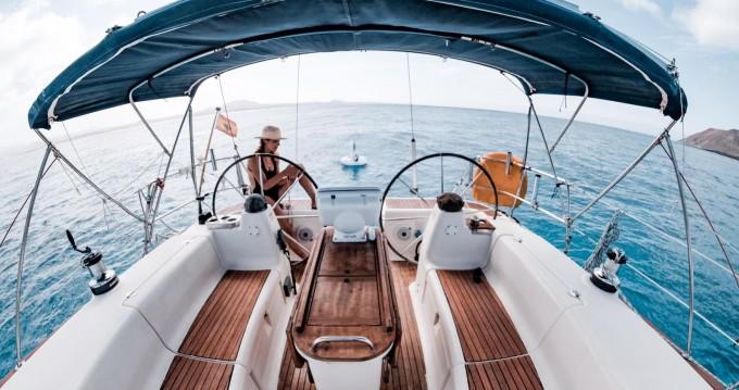 Rental yacht Yaiza - Bavaria Bavaria 44 AC DEEP KEEL on SamBoat