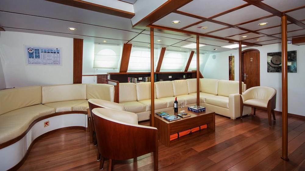 Rental Catamaran Nemo with a permit