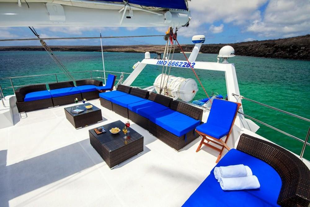 Rent a Nemo III Galápagos