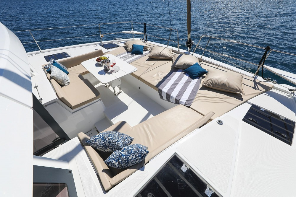 Boat rental Catana Bali 4.8 - 6 cab. in Croatia on Samboat