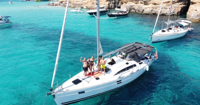 Rental yacht Pietà - Elan Impression 444 on SamBoat