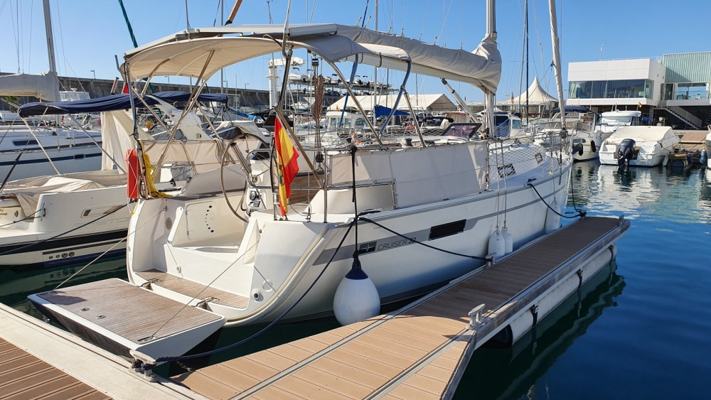 Sailboat for rent Málaga at the best price