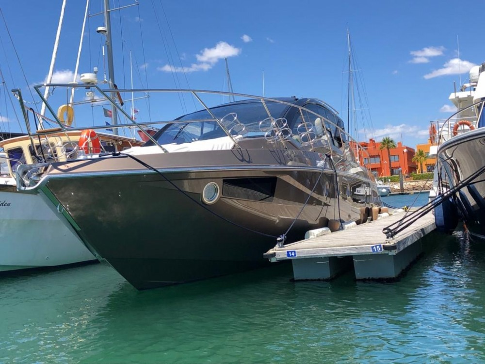 Boat rental Cranchi Mediterranee 44 in Algarve on Samboat