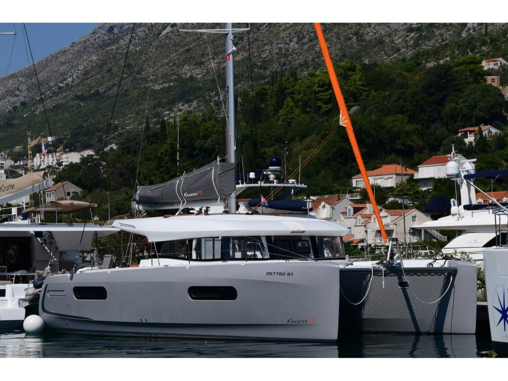 Hire Catamaran with or without skipper  Komolac