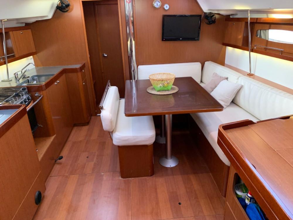 Rental yacht Laurium - Bénéteau Oceanis 46 on SamBoat