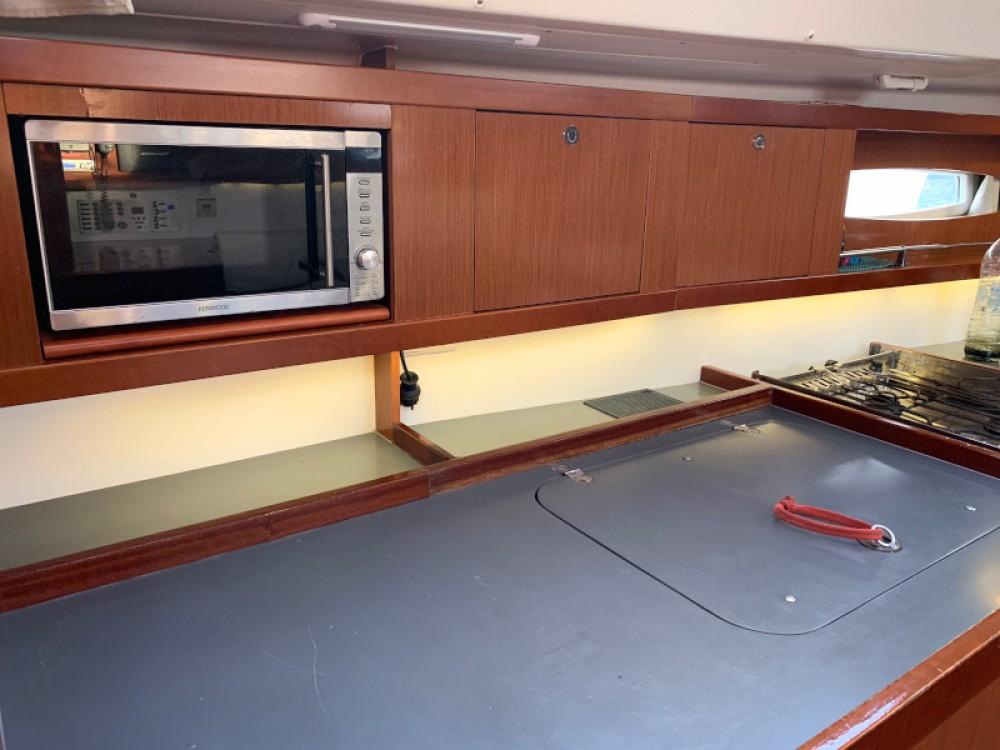 Rental Sailboat in Laurium - Bénéteau Oceanis 46